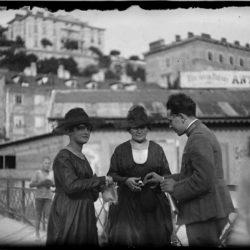 Kontrola osobnih isprava na mostu preko Rječine 1920 (Vittoriale degli Italiani)