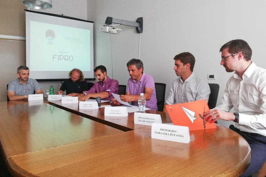 Zaklada FIPRO potpisivanje ugovora o financiranju inovativnih projekata poduzetnicima