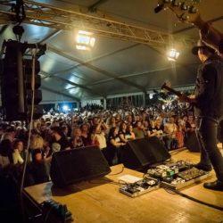 Koncert grupe Opća opasnost i publika