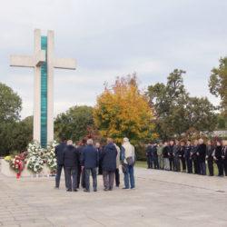 Polaganje vijenaca na groblju Drenova za dan Svih svetih