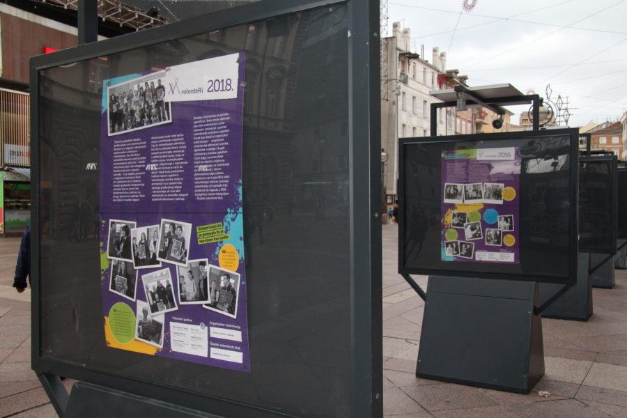 Izložba Volonteri godine na Korzu