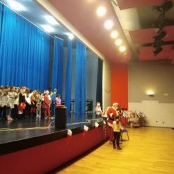 Djed Božićnjak pozdravlja djecu