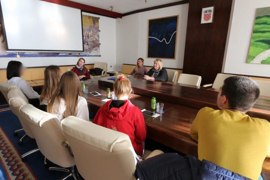 Motivacijski susret kao podstrek mladima u socijalno nepovoljnim okolnostima