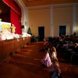 Održavanje predstave Ri Teatra