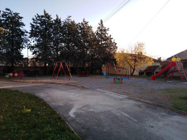 Postavljene nove dječije sprave u dječijem parku Placa