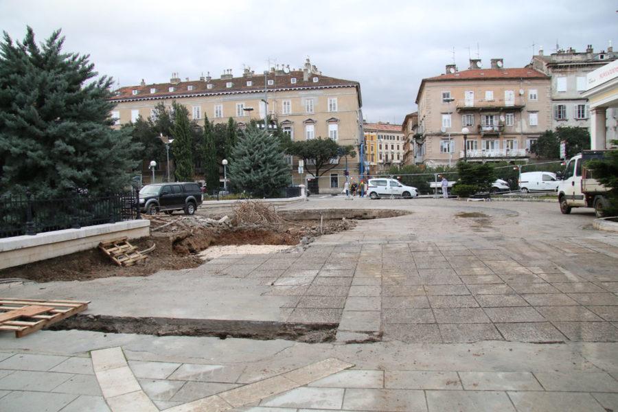 Uređenje fontane - Kazališni park