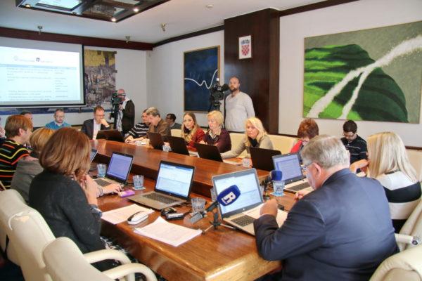 Na gradonačelnikovom kolegiju o iznosima pomoći kroz riječki Socijalni program u 2020. godini