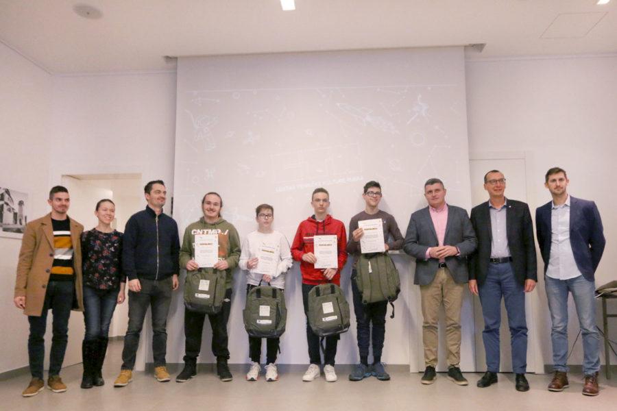 """Uručene nagrade polaznicima radionica projekta """"Budi++"""" za darovite učenike (3)"""