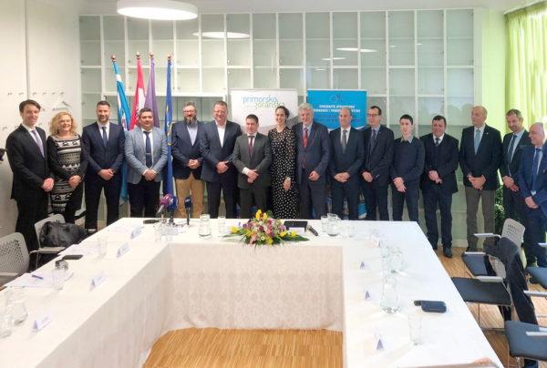 Potpis Ugovora i Sporazuma o sufinanciranju lučkih infrastrukturnih projekata na području PGŽ i Istarske županije (4)