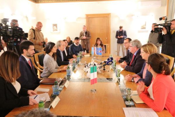 Rimska delegacija u posjetu Rijeci u sklopu projekta o povijesti za srednjoškolce