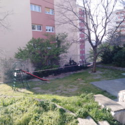 Jedno maleno igralište u Ulici A.Peruča