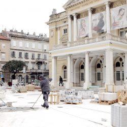 U Kazališnom parku pored Hrvatskog narodnog kazališta Ivana pl. Zajca traje uređenje fontane i okolnog prostora