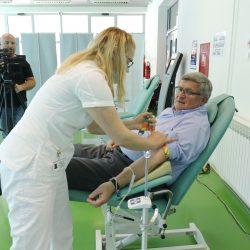 Gradonačelnik Obersnel daruje krv
