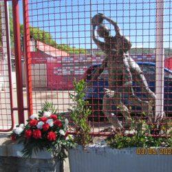 Spomenik palom nogometašu