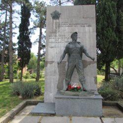 Spomenik borcima Vežice palim u NOR-u