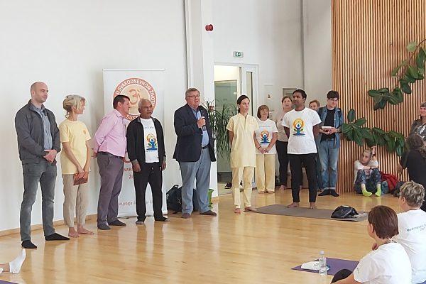 Obilježavanju prisustvovali gradonačelnik Rijeke Obersnel i voditelj projekta Rijeka - Zdravi grad Mandekić