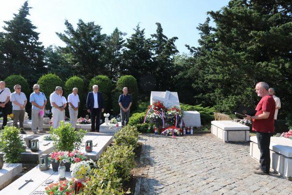 Vojni kapelan Mirko Vukoja održao je molitvu za sve koji su dali život za obranu domovine
