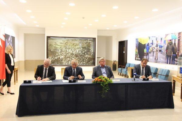 Ugovore potpisali Mario Fabek, Alberto Kontuš, Vojko Obersnel i Robert Vrhovski
