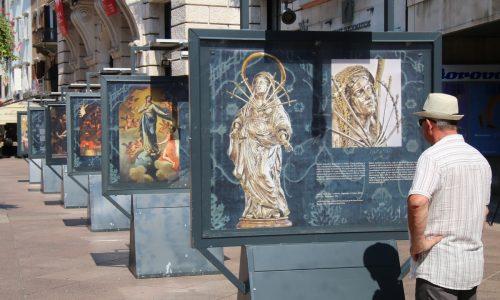 Izložba na postamentima Lice Marije u Rijeci