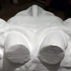 Dio replike kamenih glava s pročelja palače Šećerane