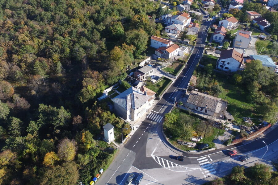 Drenova i Zavičajni muzej drenova iz zraka
