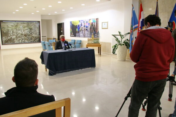 Gradonačelnik govorio o utjecaju mjera za sprječavanje širenja zaraze koronavirusom