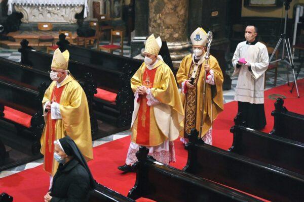 Nadbiskup koadjutor Mate Uzinić, apostolski nuncij Giorgio Lingua i riječki nadbiskup Ivan Devčić