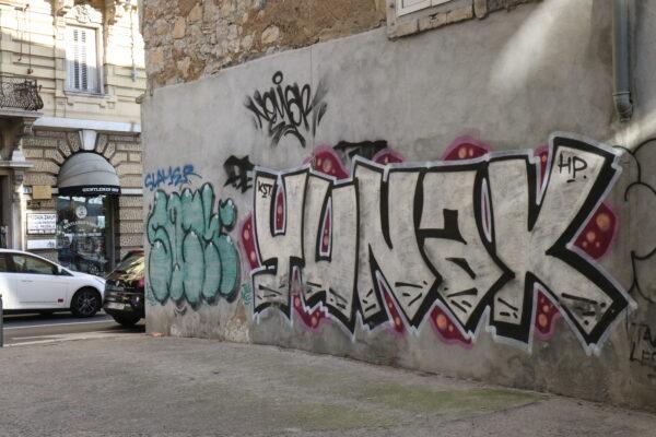 Grafiti na fasadi