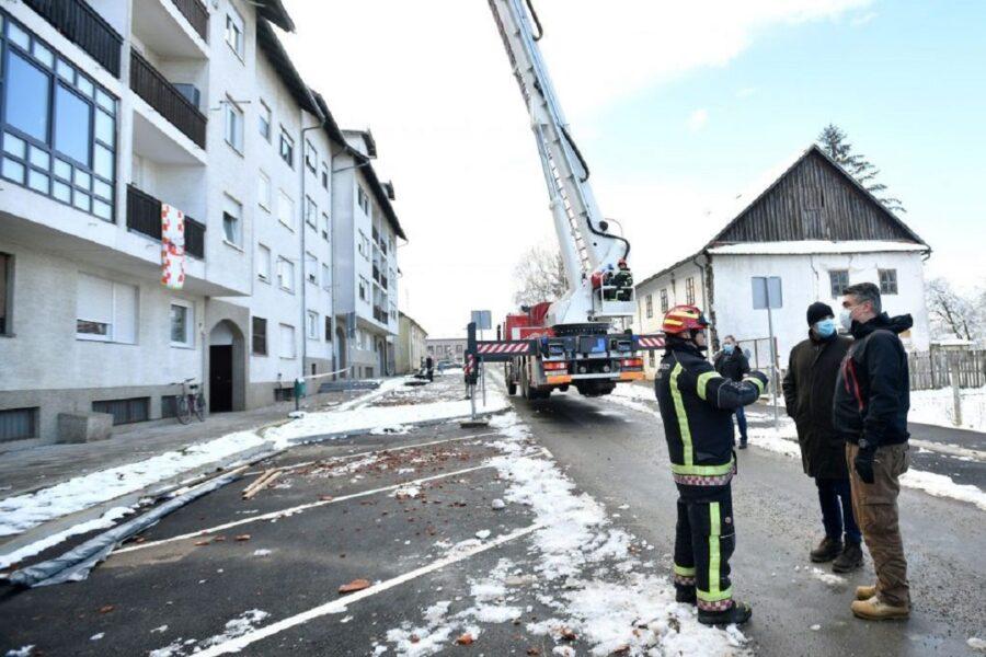 Predsjednik Milanović obišao vatrogasce foto Ured Predsjednika RH