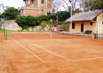 Tenis igralište Kozala