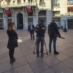 Snimanje dokumentarnog filma o pomoćnicima u nastavi