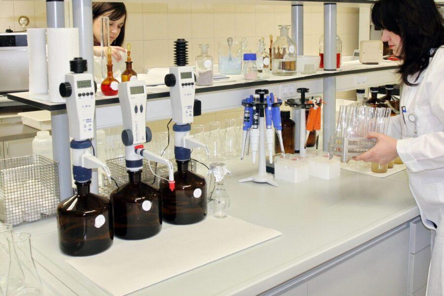 Zvir laboratorij