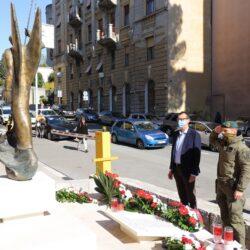 Polaganje vijenaca na spomeniku ispred zgrade PU primorsko - goranske i Spomen zidu u PU-PG