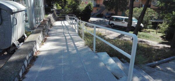 Izvedba rampe za osobe s invaliditetom u Ulici Bože Vidasa