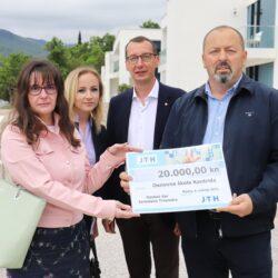 Donacija za obnovu školskih igrališta