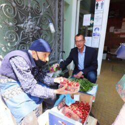 Gradonačelnik Marko Filipović uručio poklon baki Kati