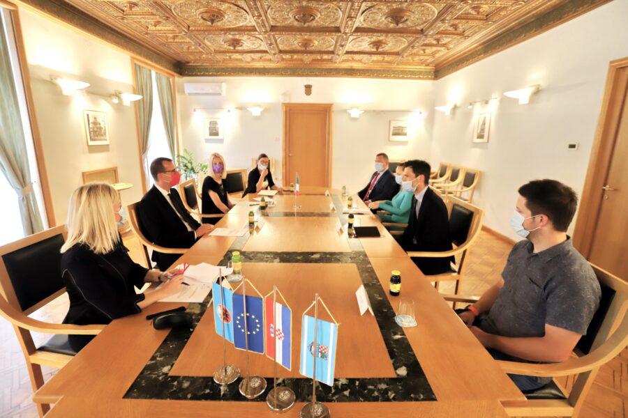 Prvi sastanak gradonačelnika Marka Filipovića i konzula Republike Italije Davidea Bradaninija