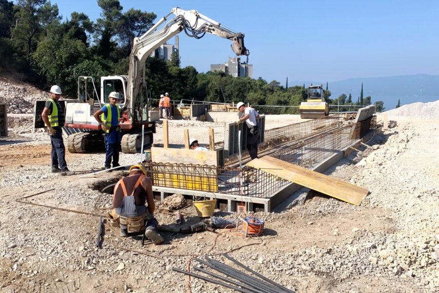 Radovi širokog iskopa i temelja na izgradnji sortirnice