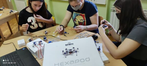 Sastavljanje STEMI Hexapoda